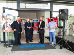 Inaugurazione nuova sede Avis: il taglio del nastro